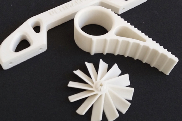 Pezzi meccanici in materiale speciale simil Nylon